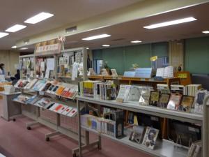 「学生選書コーナー」展示の様子3